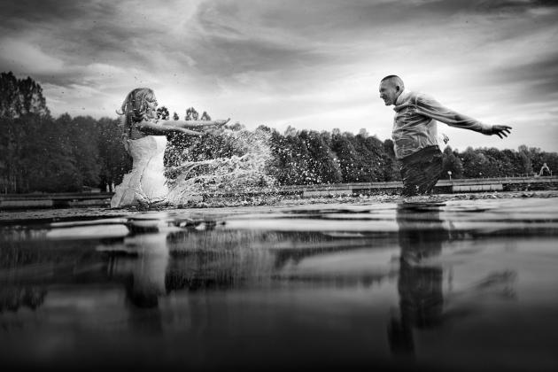 fotografia ślubna - Zdjęcia Ślubne Plener w wodzie