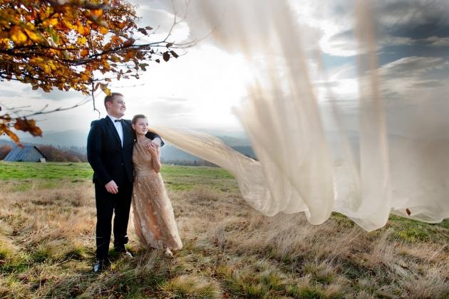 fotografia ślubna - długi welon, zdjęcia ślubne w górach