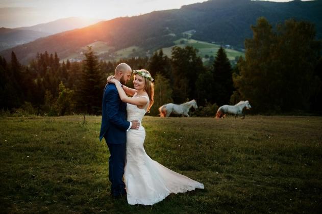 fotografia ślubna - Zdjęcia plenerowe w Wiśle, górskie zdjęcia, Konie, sesja ślubne