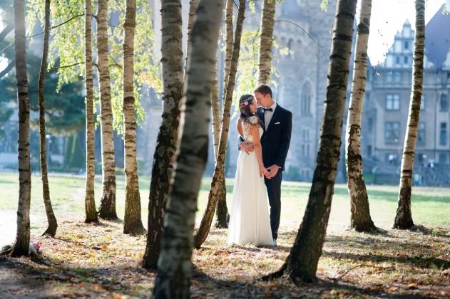 fotografia ślubna - plener ślubny w Lesie, Zamek w Mosznej