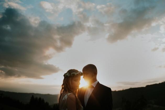 fotografia ślubna - Zdjęcia ślubne przy zachodzie słońca