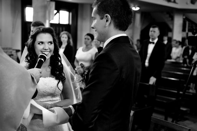 fotografia ślubna - przysięga ślubna w kościele Rybnik