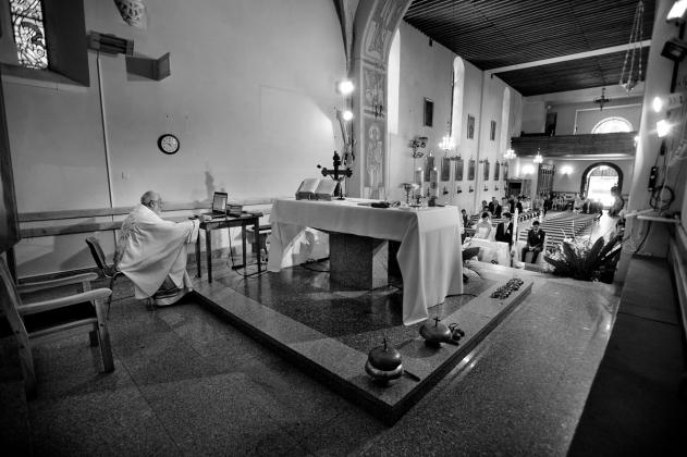 fotografia ślubna - Ksiądz, Kościół , wesele, Kraków