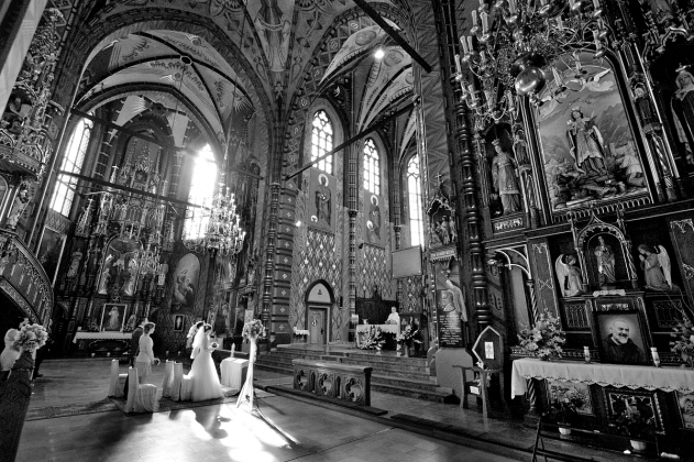 fotografia ślubna - Zdjęcia w kościele Kraków