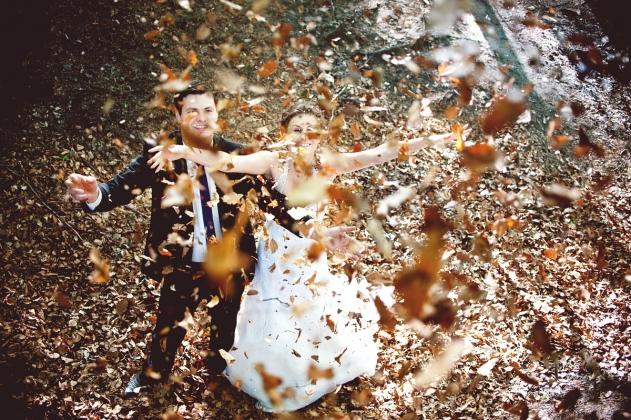 fotografia ślubna - Sesja zdjęciowa w plenerze liście Rybnik